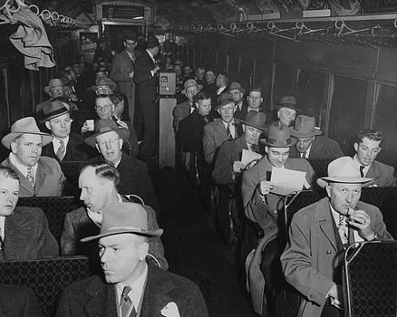 Chicago and North Western Historical Society - Red River Valley Potato Growers in Freight Car- 1947