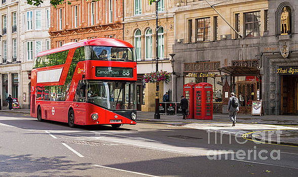 Red Street Icons of London by Sinisa CIGLENECKI
