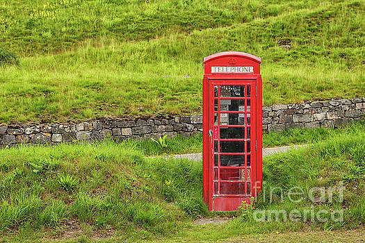 Patricia Hofmeester - Red telephone booth