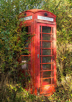 Red Telephone Box by Richard Hayman
