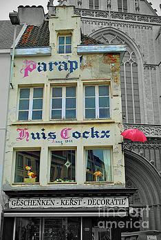 Jost Houk - Red Umbrella of Huis Cockx