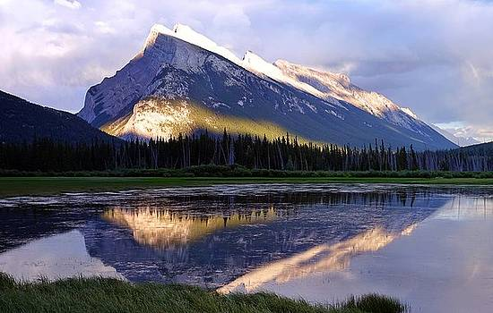 Mount Rundle by Heather Vopni