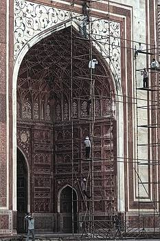 Chris Honeyman - Repairs at the Taj Mahal, Agra 2014