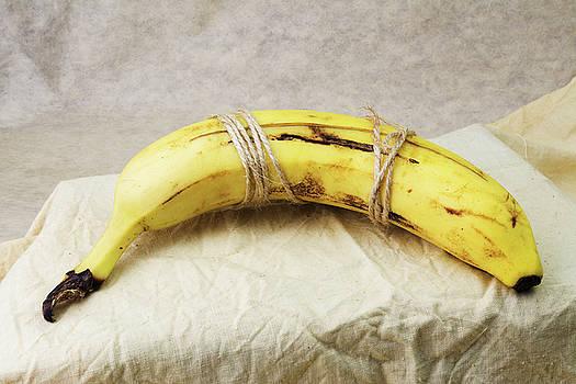Resting Banana by Pekka Liukkonen