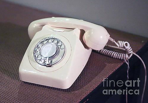 Patricia Hofmeester - Retro telephone