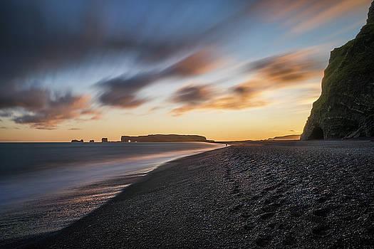 Reynisfjara sunset by Swen Stroop