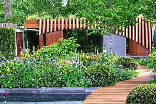 RHS Chelsea Homebase Urban Retreat Garden by Chris Day