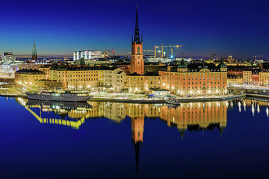 Riddarholmen perfect blue hour reflection by Dejan Kostic