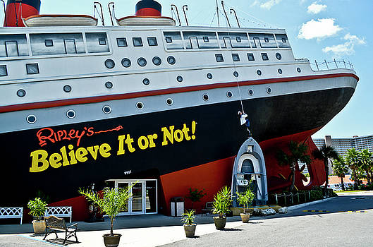 Ripley's Believe It Or Not by David Crockett