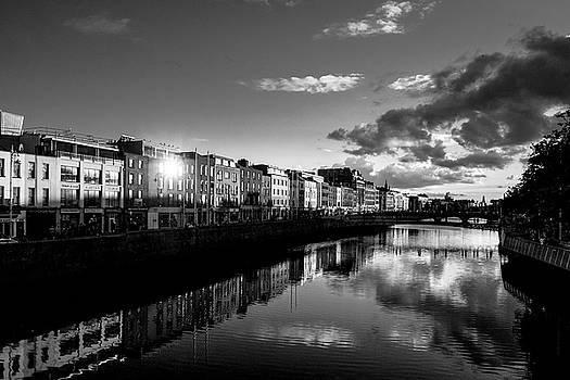 River Liffey by Jose Maciel