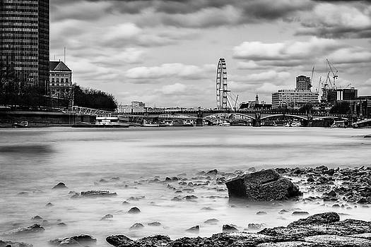 Riverbank Long Exposure by Matt Malloy