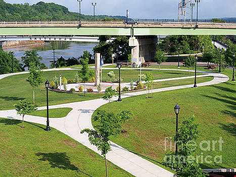 Riverlink Park in Amsterdam New York by Louise Heusinkveld