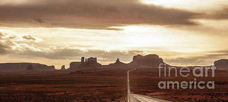 Road to Monument Valley by Mike Wilkinson