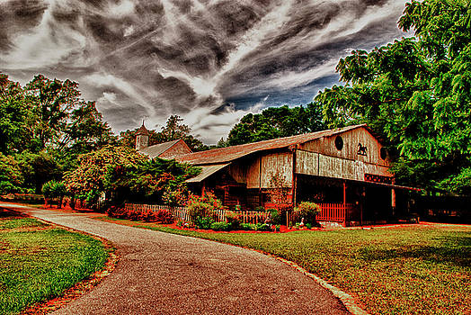 Road to Shiloh Farm's Barn by Frank Feliciano