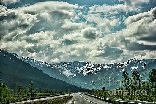 Chuck Kuhn - Road travel Alaska color