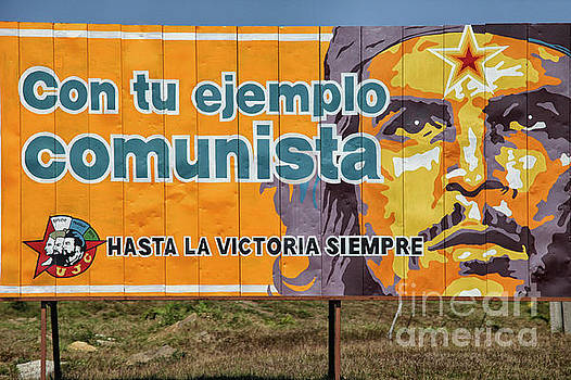 Patricia Hofmeester - Roadside propaganda in Cuba