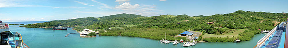 Ramunas Bruzas - Roatan Island Panorama