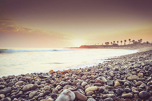 Rock beach by Hyuntae Kim