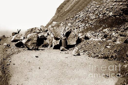 California Views Mr Pat Hathaway Archives - Rock slide on Highway One Big Sur, Cal Circa 1930