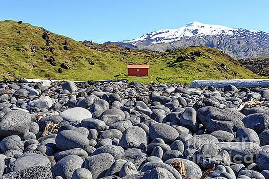 Rocky Beach Iceland by Edward Fielding