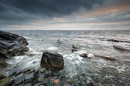 Rocky West Coast Seascape by Grant Glendinning
