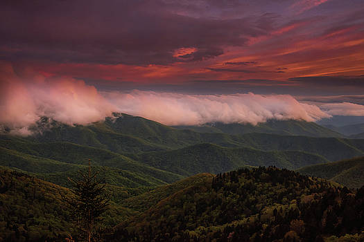 Rolling Cloud Tide by Reid Northrup