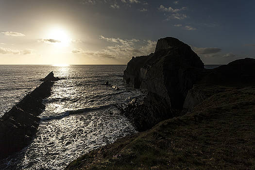 Stewart Scott - Rolling waves to a setting sun