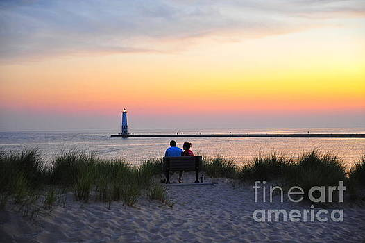 Terri Gostola - Romantic Evening at Frankfurt North Breakwater Lighthouse