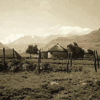 Rondavel in the Drakensburg by Susie Rieple