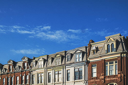 Row Of Shotgun Style Homes In St. Louis City by Dylan Murphy