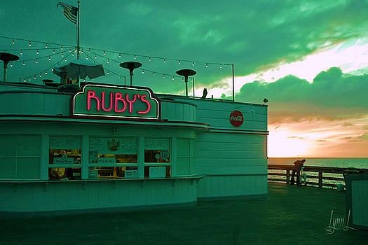 Ruby's on Newport Pier by S Lynn Lehman