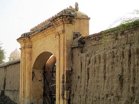 Ruins of daulat palace. by Khalid Saeed