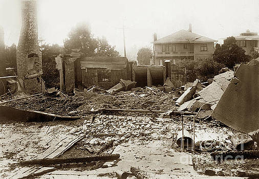 California Views Mr Pat Hathaway Archives - Ruins of houes after the fire of  september 18, 1923