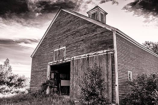 Rundown Barn by Connor Koehler