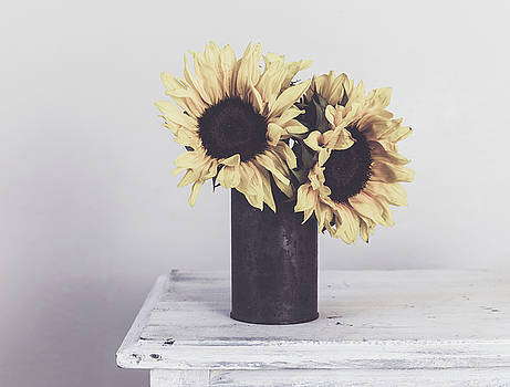 Kim Hojnacki - Rustic Sunflowers