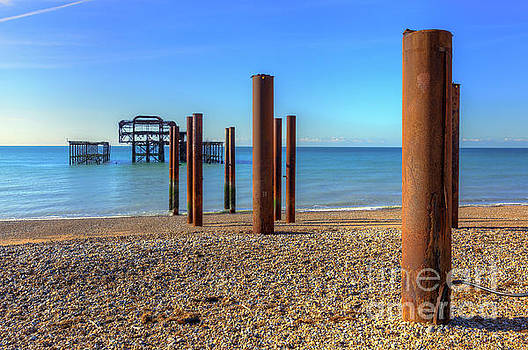 Rusty Remains by Geoff Smith