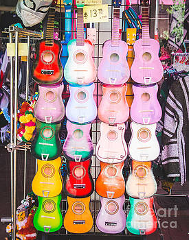 Sonja Quintero - SA Guitars