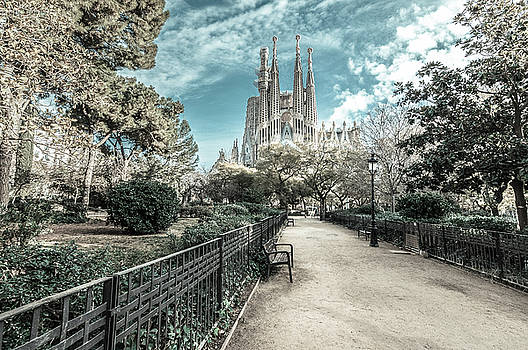 Sagrada Familia-1 by Sergey Simanovsky