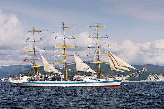 Sail Training Ship Mir by Dockside Colors