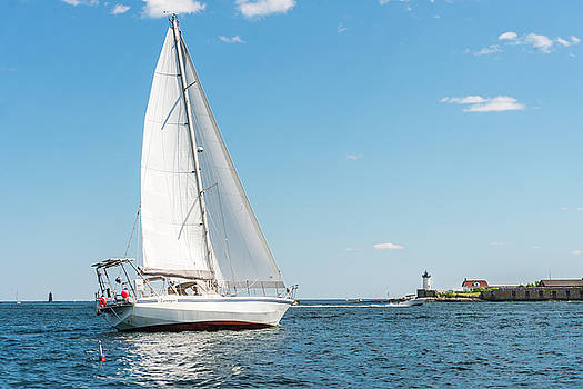 Sailing in New Castle by Devin LaBrie