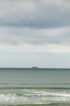 Sailing the Horizon by Linda Lees