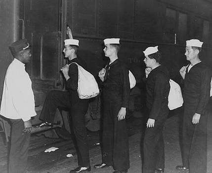 Chicago and North Western Historical Society - Sailors Board Train