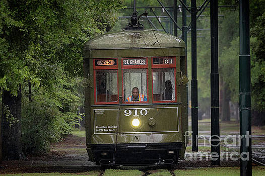 Saint Charles Streetcar by Jerry Fornarotto