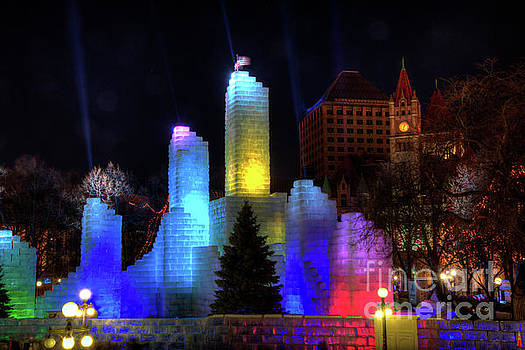 Wayne Moran - Saint Paul Winter Carnival Ice Palace 2018 Lighting Up The Town