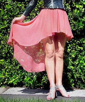 Sofia Metal Queen - Salmon pink chiffon high low skirt. Ameynra simple line 02