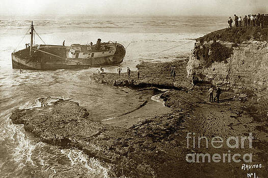 California Views Mr Pat Hathaway Archives - Salvaging the shipwreck of the coastal freighter La Feliz Oct. 1 1924