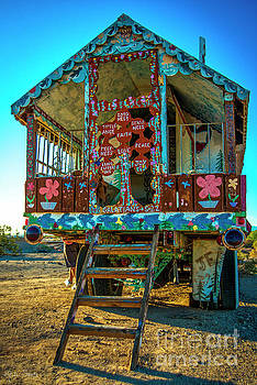 Julian Starks - Salvation Mountain Rear God Mobile
