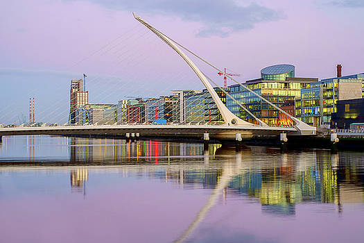 Samuel Beckett Bridge at Dusk by Jose Maciel