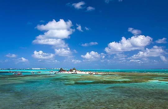 San Andres Island  by Kobby Dagan