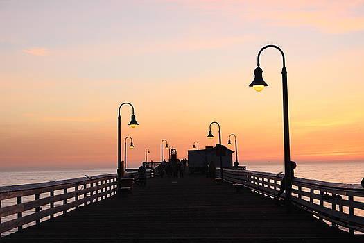 San Clemente Pier, California by Shawn Noetzli
